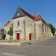 Courtenay (45) Eglise Saint-Pierre et Saint-Paul