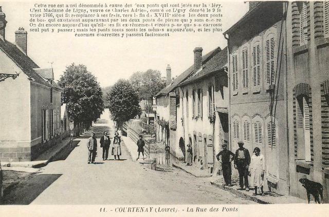 Courtenay (45) Rue des ponts CPA