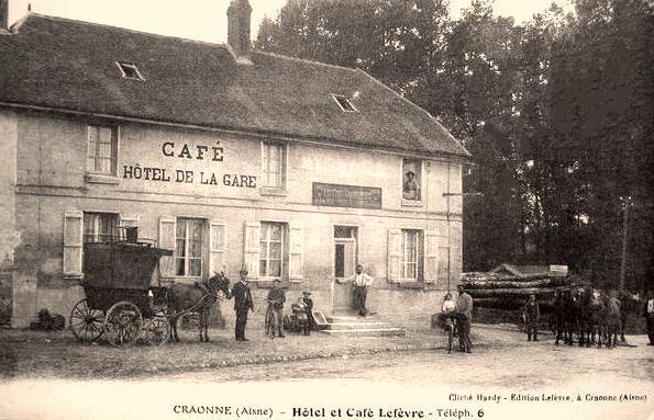 Craonne (Aisne) CPA Hameau de Chevreux café de la gare
