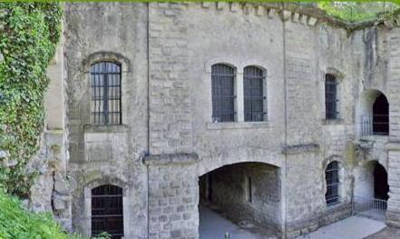 Craonne (Aisne) Fort de Condé casernement central