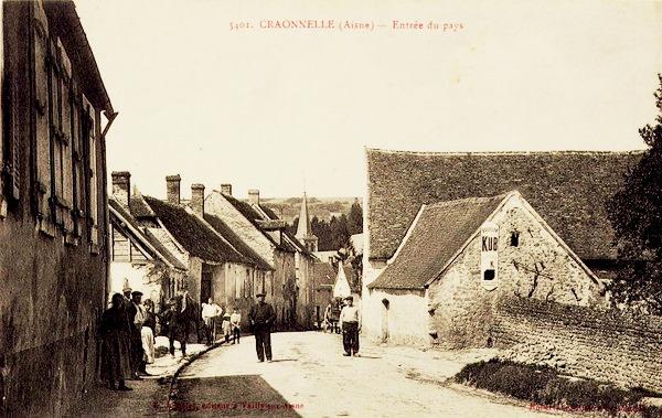 Craonnelle (Aisne) CPA entrée du village