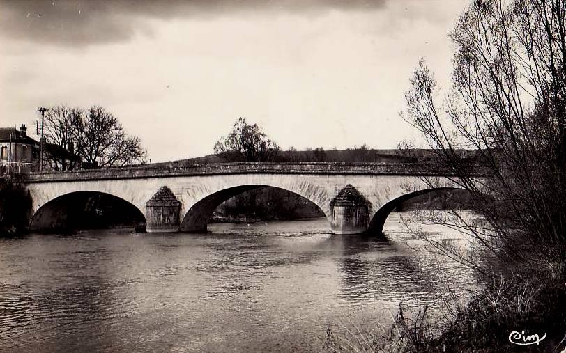 Cravant (89) Le vieux pont CPA