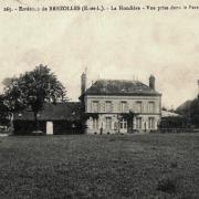 Crucey-Villages (28) Le château de La Houdière CPA