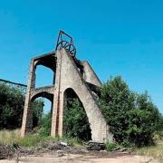 Crusnes 54 le chevalement de la mine de fer d errouville