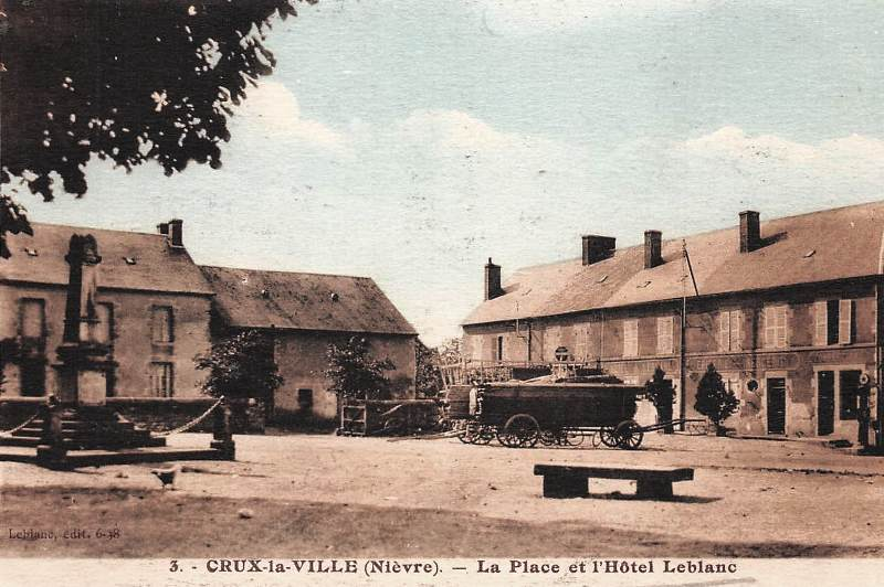 Crux-la-Ville (Nièvre) L'Hôtel Leblanc CPA