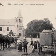 Crux-la-Ville (Nièvre) La place de l'église CPA