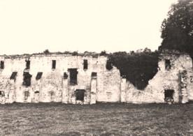 Cuissy-et-Gény (Aisne) CPA Abbaye des Prémontrés cellier en 1976