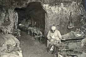 Cuissy-et-Gény (Aisne) CPA Dortoir dans les creutes