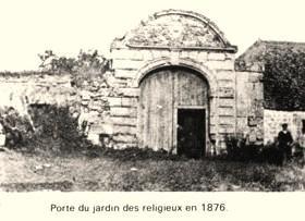 Cuissy-et-Gény (Aisne) CPA porte jardin des religieux en 1876