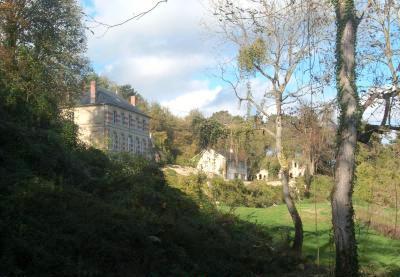 Cuissy-et-Gény (Aisne) Ferme et château de Bellevue