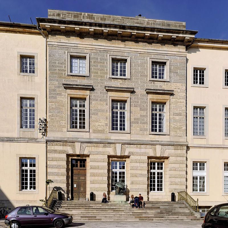 Dijon (Côte d'Or) L'ancien Palais abbatial de Saint-Bénigne