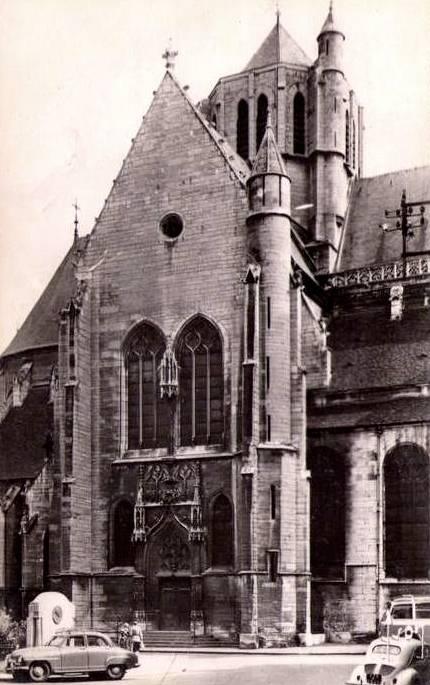 Dijon (Côte d'Or) L'église Saint-Michel CPA