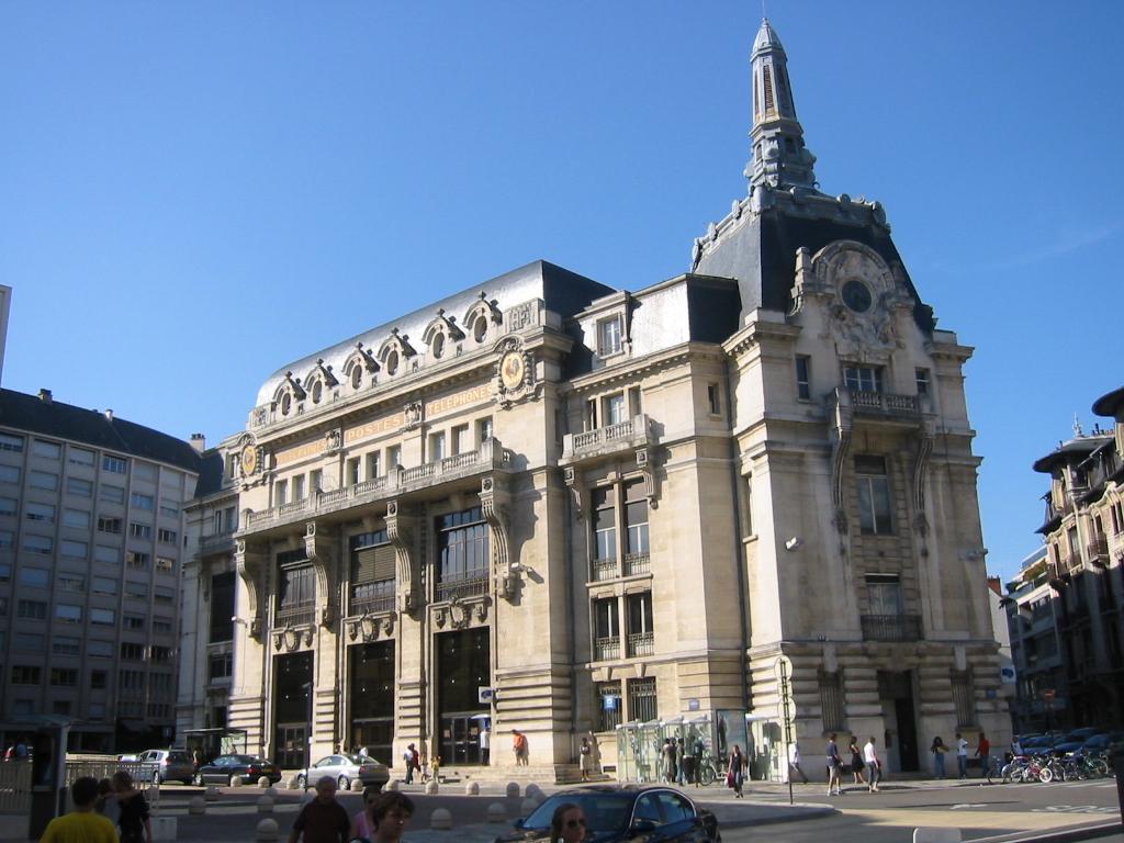 Dijon (Côte d'Or) L'Hôtel des Postes
