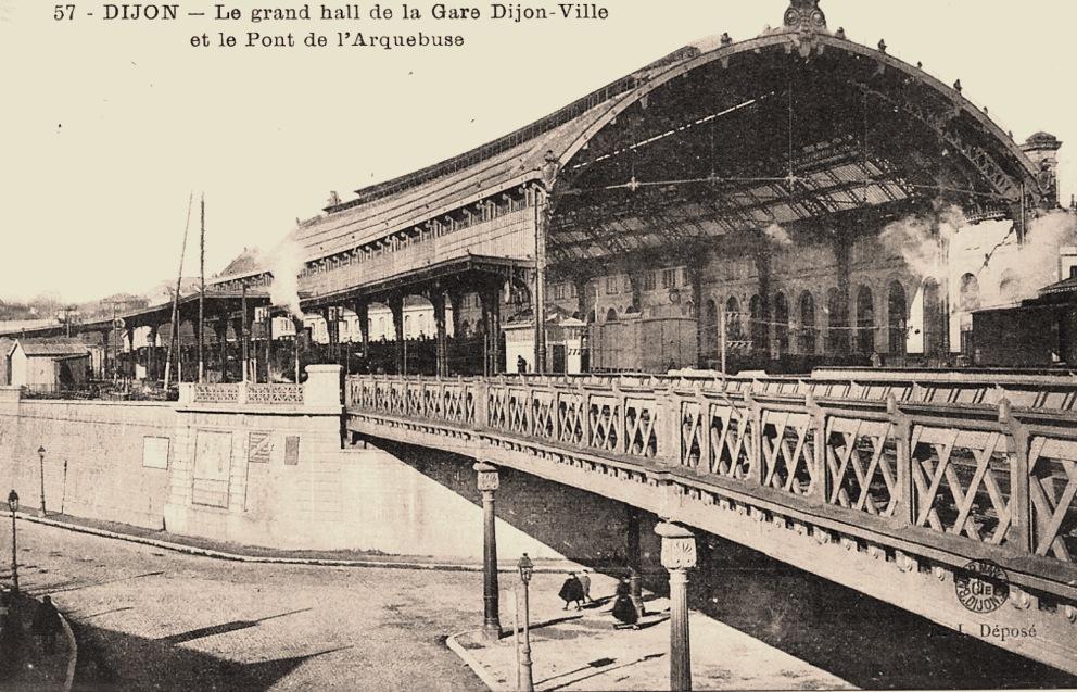 Dijon (Côte d'Or) La Gare et le Pont de l'Arquebuse CPA