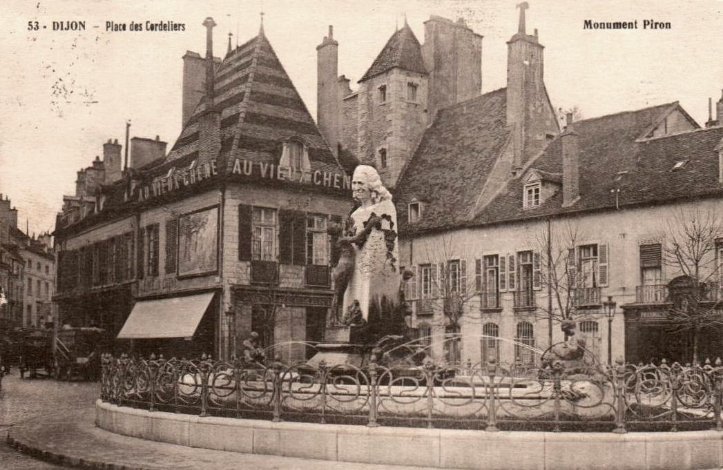 Dijon (Côte d'Or) La place des Cordeliers CPA
