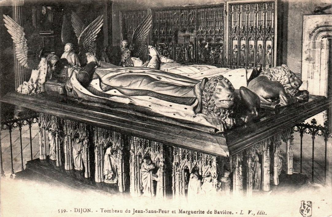 Dijon (Côte d'Or) Les tombeaux de Jean sans Peur et Marguerite de Bavière CPA