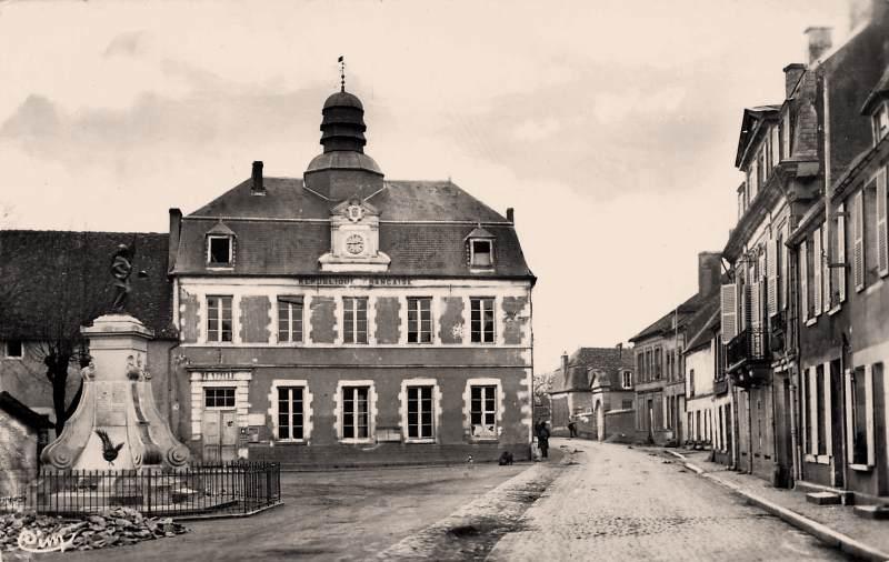 Donzy (Nièvre) La Mairie CPA
