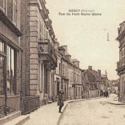 Donzy (Nièvre) La rue du Pont Notre-Dame CPA