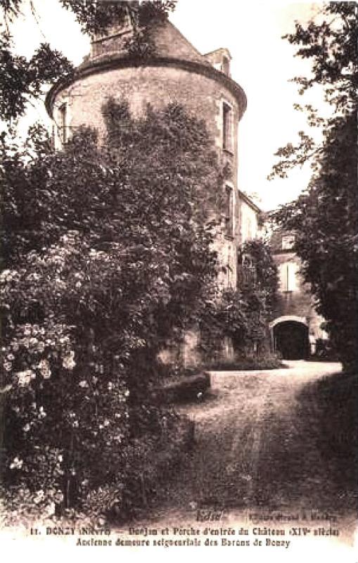 Donzy (Nièvre) Le château CPA