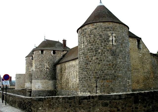Dourdan essonne le chateau