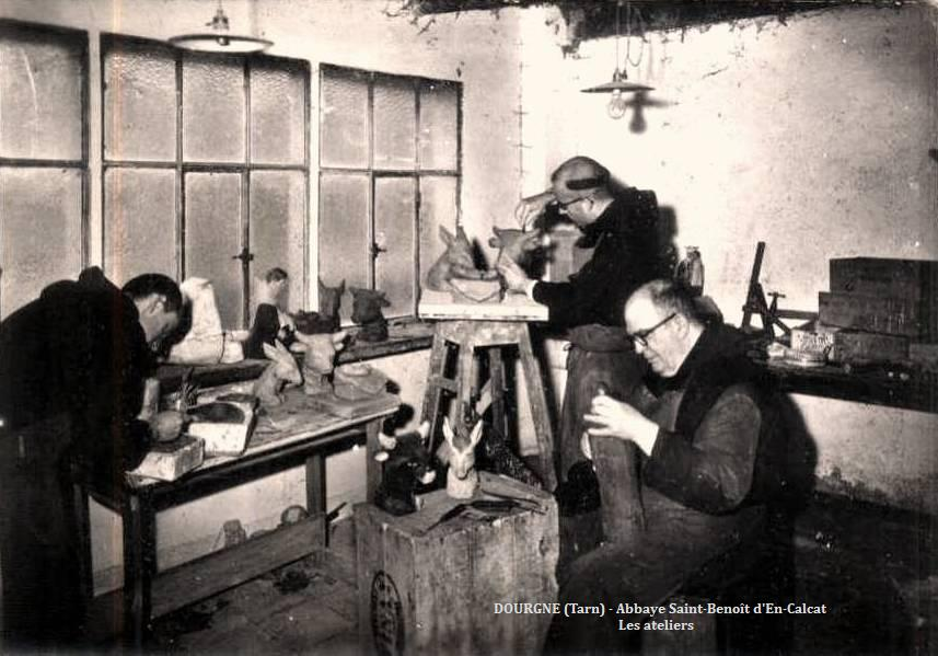 Dourgne (Tarn) CPA Abbaye Saint Benoit d'En-Calcat, atelier