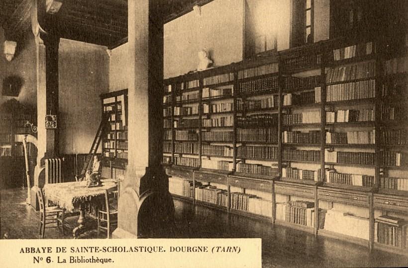 Dourgne (Tarn) CPA Abbaye Saint Scholastique d'En-Calcat, bibliothèque