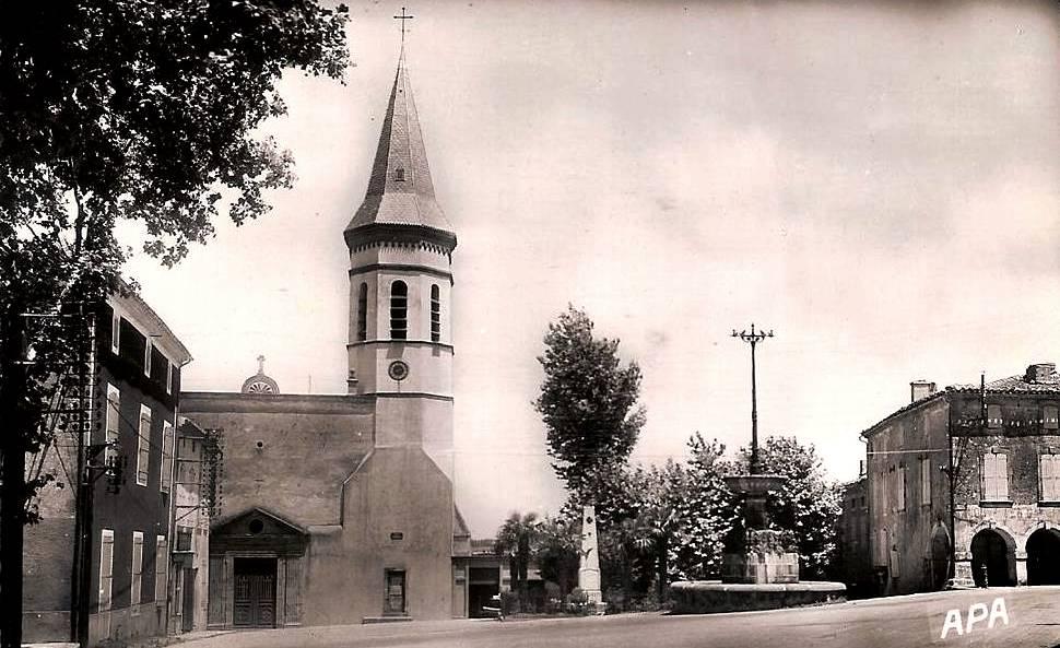 Dourgne (Tarn) CPA église et monument aux morts