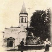 Dourgne (Tarn) CPA place de l'église et fontaine