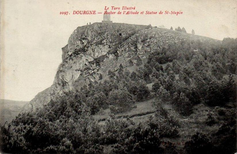 Dourgne (Tarn) CPA Rocher de l'Abbade et statue