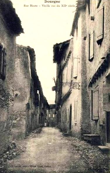 Dourgne (Tarn) CPA rue Haute du XIIème siècle