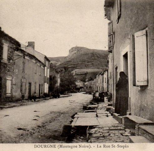 Dourgne (Tarn) CPA rue Saint Stapin