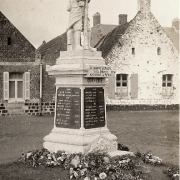 Epinoy pas de calais le monument aux morts cpa