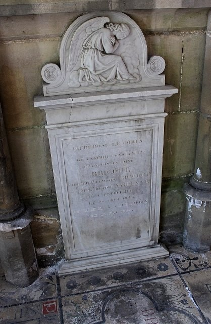 Estourmel 59 la pierre tombale de casinir bricout