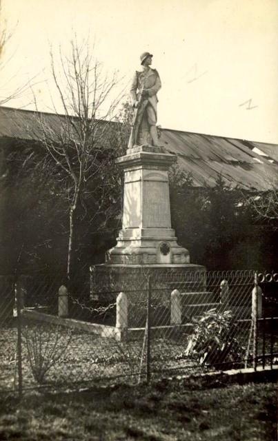 Estourmel 59 le monument aux morts cpa
