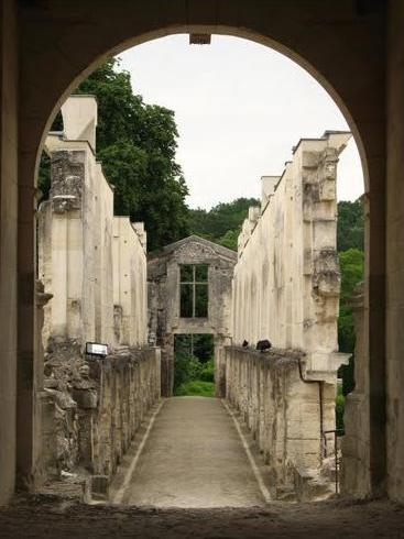 Fère-en-Tardenois (Aisne) le château, sur le pont galerie