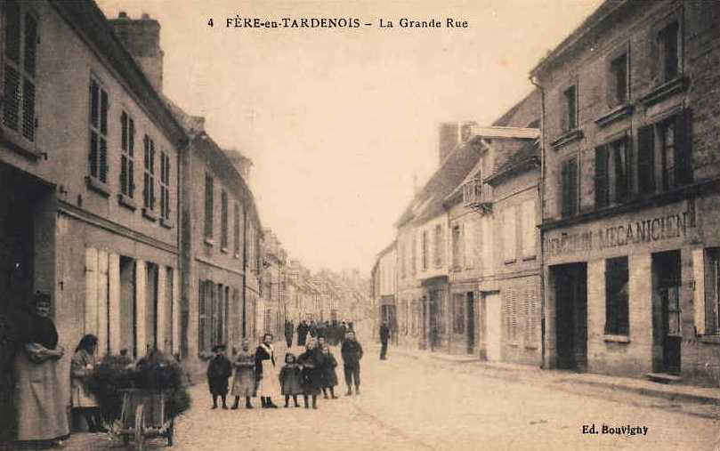 Fère-en-Tardenois (Aisne) CPA la grande rue
