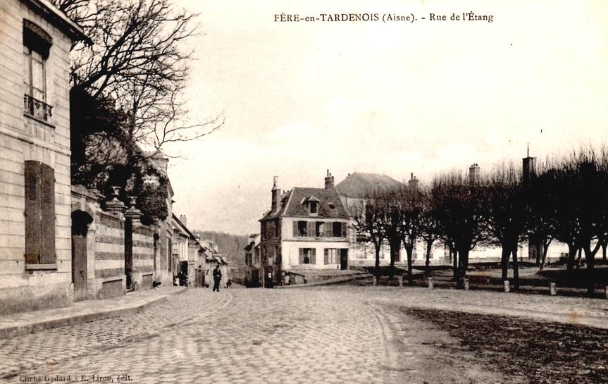 Fère-en-Tardenois (Aisne) CPA la rue de l'Etang
