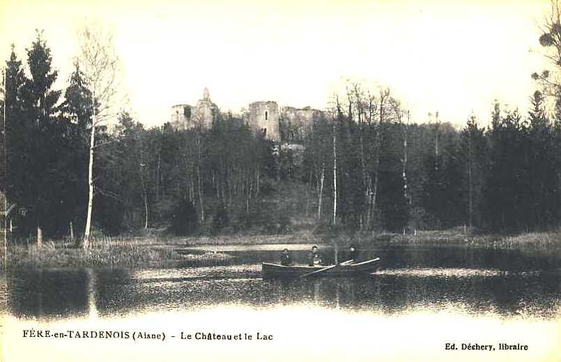 Fère-en-Tardenois (Aisne) CPA le château et le lac