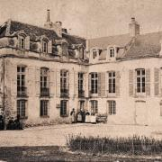 Fleurey-sur-Ouche (Côte d'Or) Le château Perard en 1880