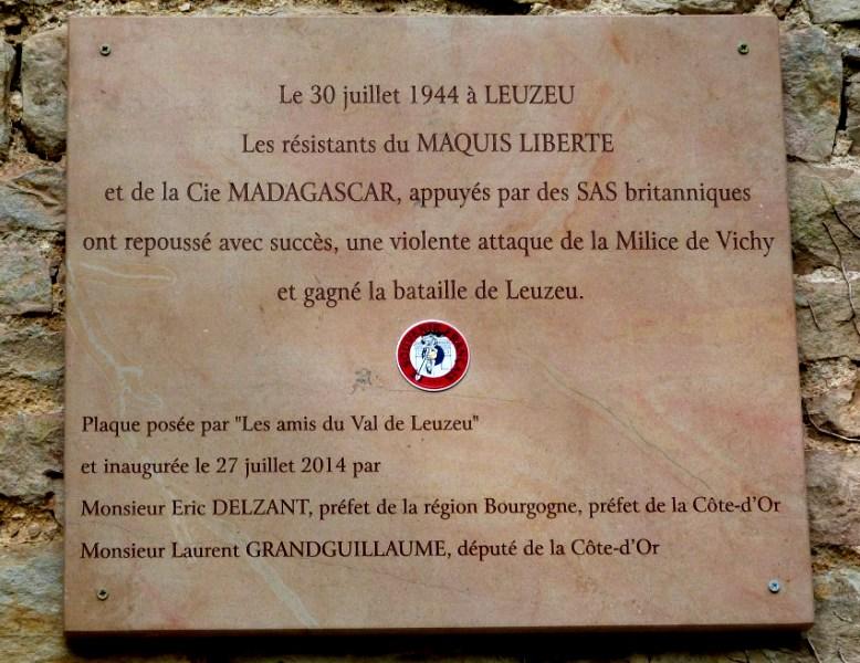 Fleurey-sur-Ouche (Côte d'Or) Le Leuzeu, plaque 1944