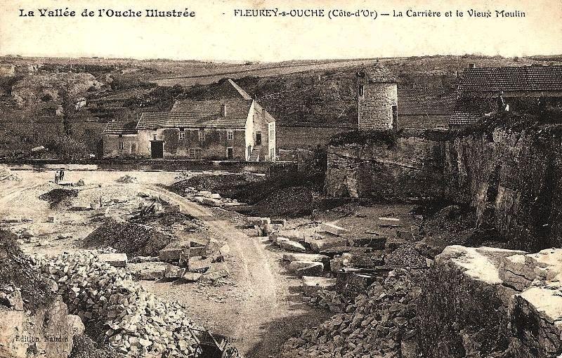 Fleurey-sur-Ouche (Côte d'Or) Le Moulin des Roches et le moulin à vent CPA