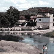 Fleurey-sur-Ouche (Côte d'Or) Le mur évacuateur de crues
