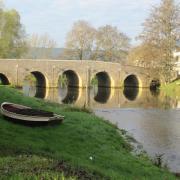 Fleurey-sur-Ouche (Côte d'Or) Le pont sur l'Ouche