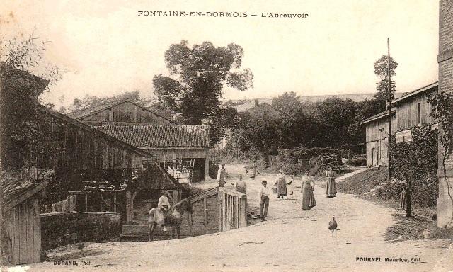 Fontaine-en-Dormois (51) L'abreuvoir CPA