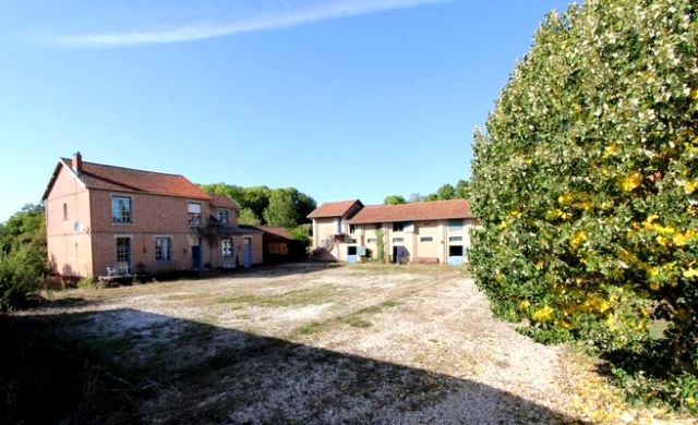 Fontaine-en-Dormois (51) La ferme