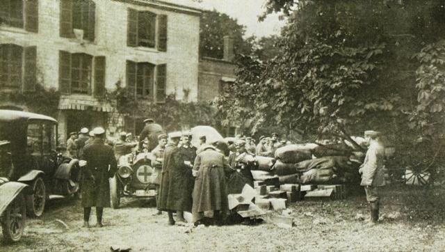 Fontaine-en-Dormois (51) Le château, sous l'occupation allemande 1914-1918 CPA