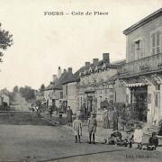 Fours (Nièvre) La place CPA