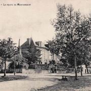 Fours (Nièvre) La route de Montambert CPA