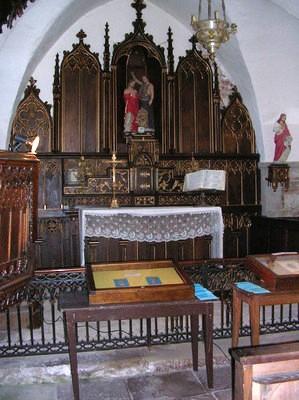 Gissac (Aveyron) Château de Montaigut, église Saint Jean Baptiste