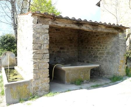 Gissac (Aveyron) Lavoir